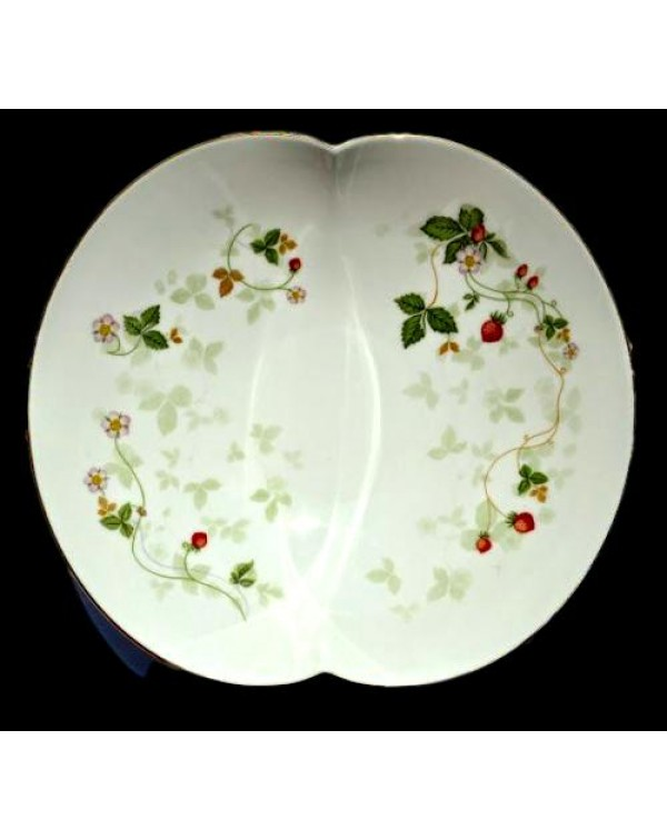 WEDGWOOD WILD STRAWBERRY LARGE DISH