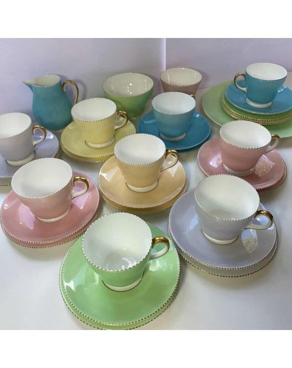 (SOLD) WEDGWOOD APRIL HARLEQUIN TEA SET FOR 8
