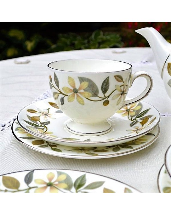 WEDGWOOD BEACONSFIELD TEA TRIO