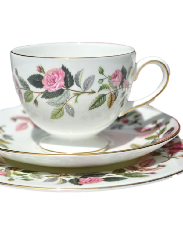 (SOLD) WEDGWOOD HATHAWAY ROSE TEA SET