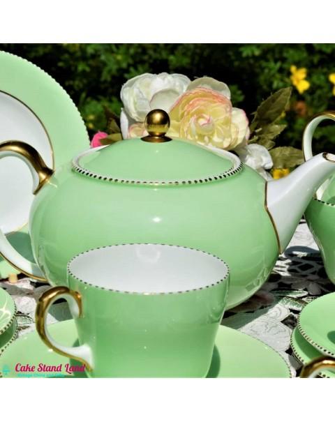 (SOLD) WEDGWOOD APRIL TEA SET FOR 6
