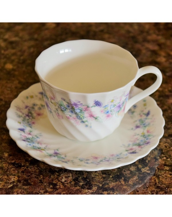(OUT OF STOCK) WEDGWOOD ANGELA TEA CUP & SAUCE...
