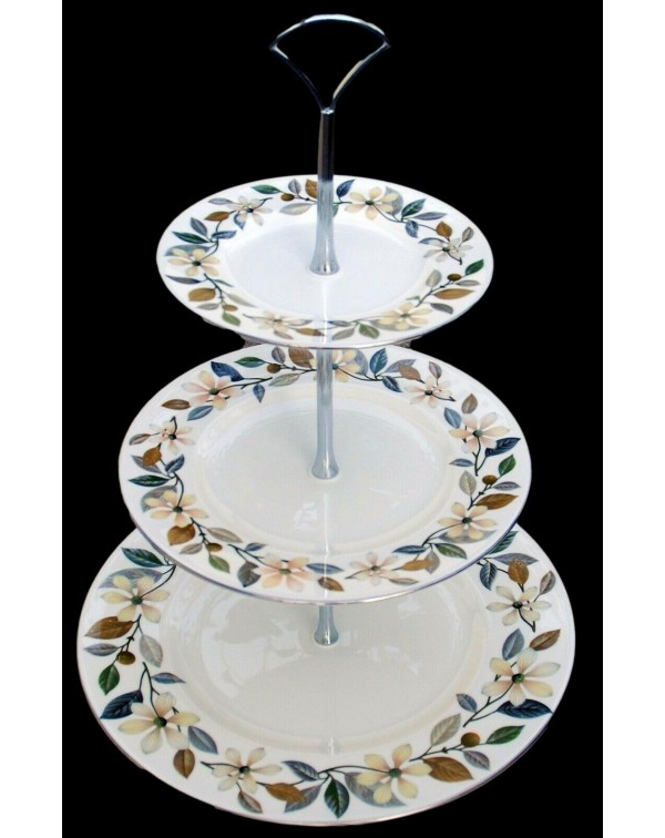 WEDGWOOD BEACONSFIELD CAKE STAND