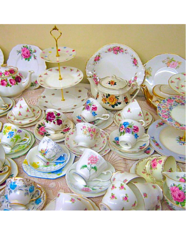 COMPLETE TEA SET FOR 35 PEOPLE