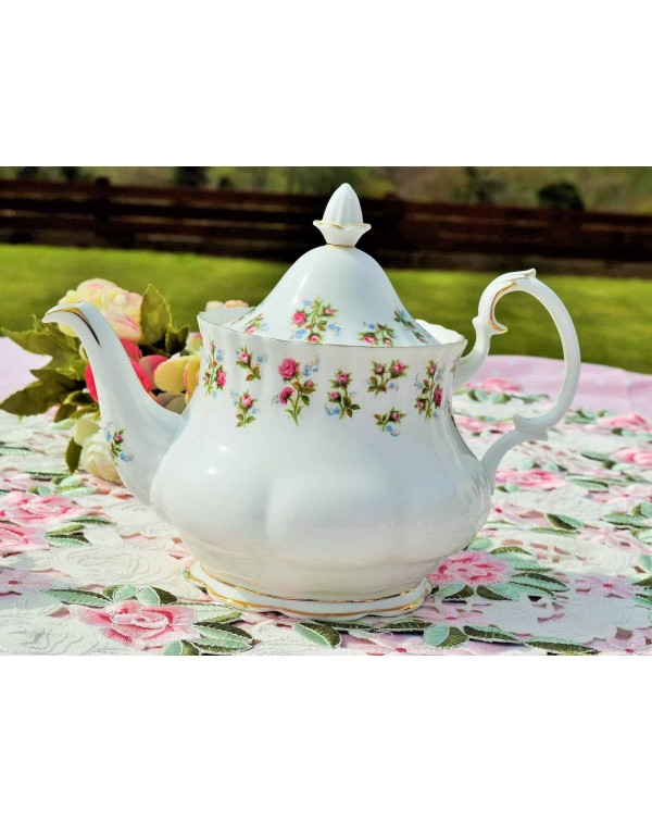 ROYAL ALBERT WINSOME TEAPOT