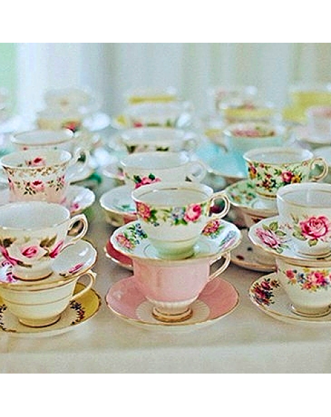 10 MISMATCHED TEA CUPS & SAUCERS