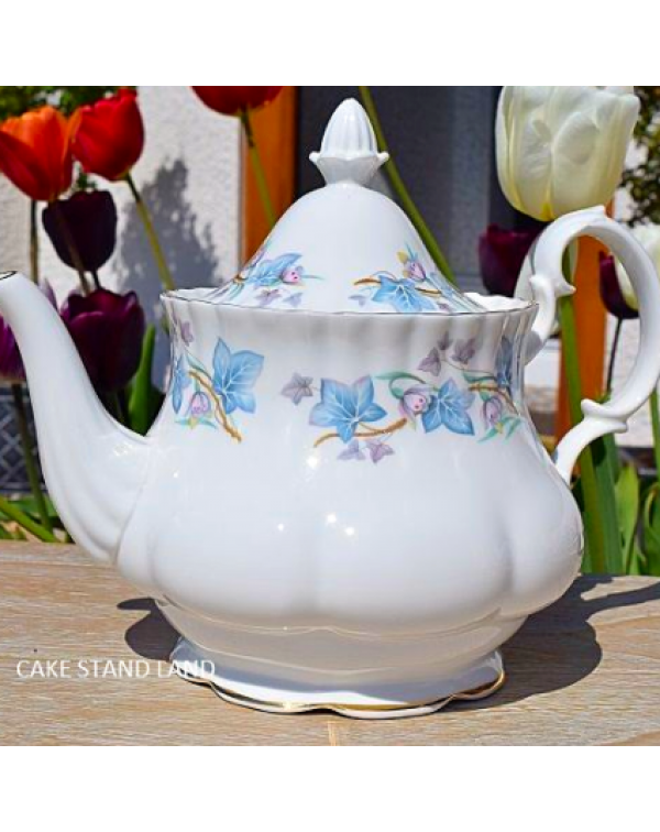 (OUT OF STOCK) ROYAL KENT TRENTSIDE VINTAGE TEAPOT