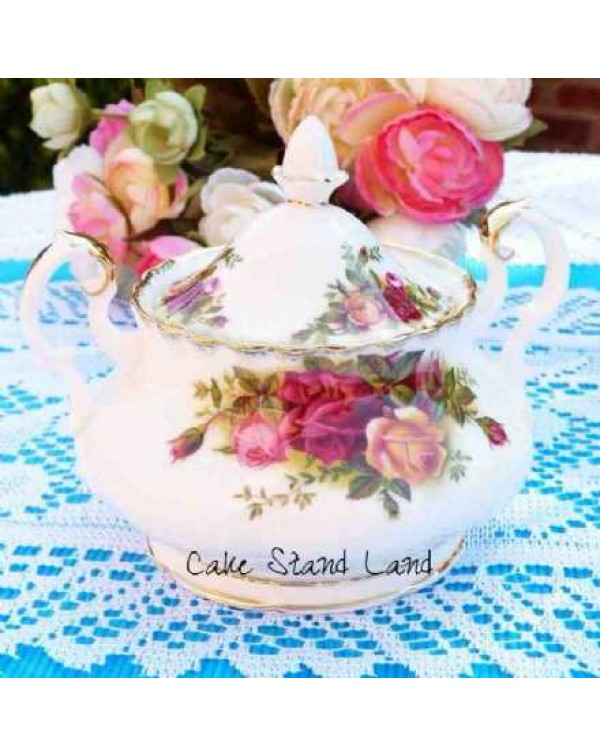 (OUT OF STOCK) OLD COUNTRY ROSES LIDDED SUGAR BOWL