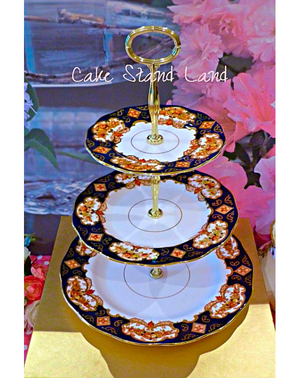 ROYAL ALBERT HEIRLOOM CAKE STAND