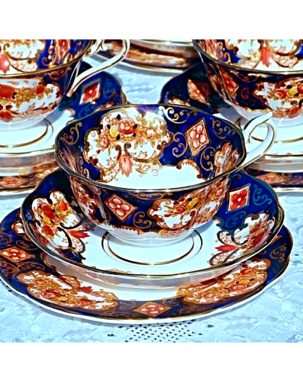 ROYAL ALBERT HEIRLOOM TEA TRIO
