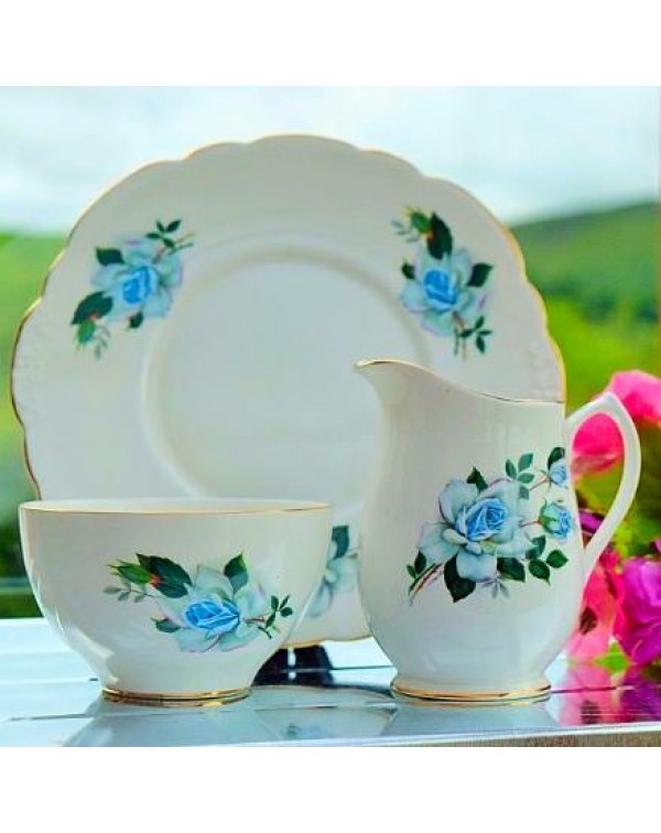 (OUT OF STOCK) ELIZABETHAN CAKE PLATE SET
