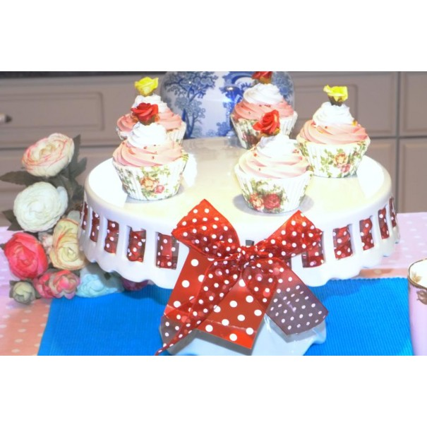 (OUT OF STOCK) LARGE PEDESTAL CAKE STAND WITH RED RIBBON