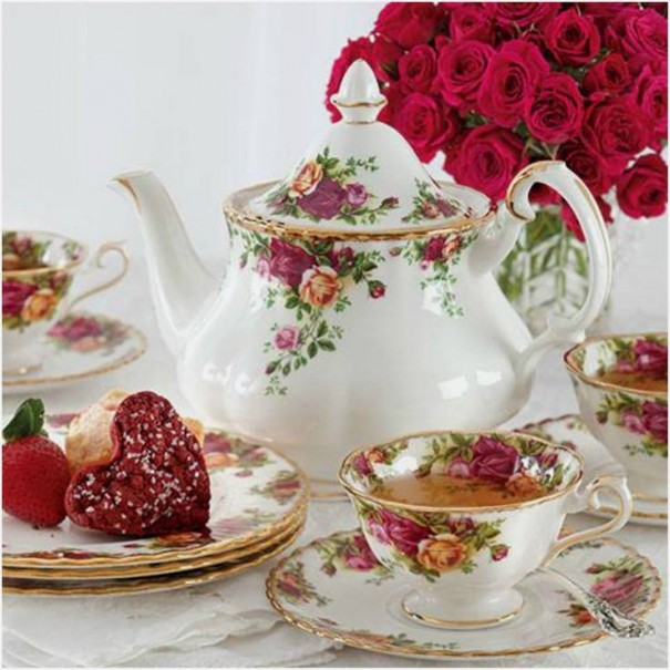 (SOLD) OLD COUNTRY ROSES AVON TEA SET FOR FOUR