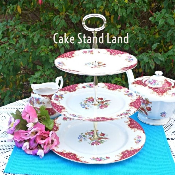 (OUT OF STOCK) PARAGON ROCKINGHAM RED CAKE STAND