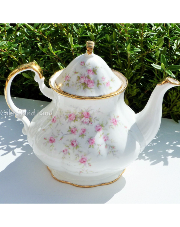 (OUT OF STOCK) PARAGON VICTORIAN ROSE TEAPOT