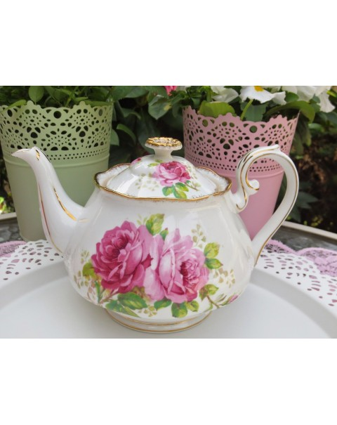 (OUT OF STOCK) ROYAL ALBERT AMERICAN BEAUTY VINTAGE TEAPOT