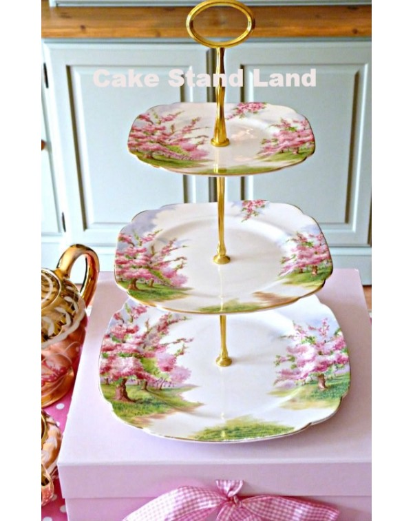 (OUT OF STOCK) ROYAL ALBERT BLOSSOM TIME CAKE STAN...