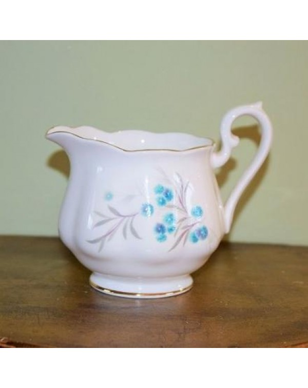 (OUT OF STOCK) ROYAL ALBERT BLUE HEAVEN MILK JUG