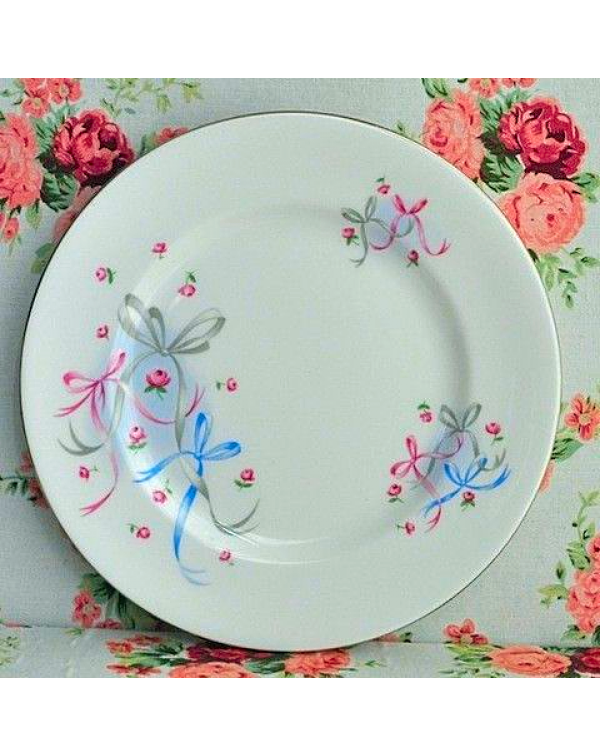 ROYAL ALBERT BUTTONS AND BOWS TEA PLATE
