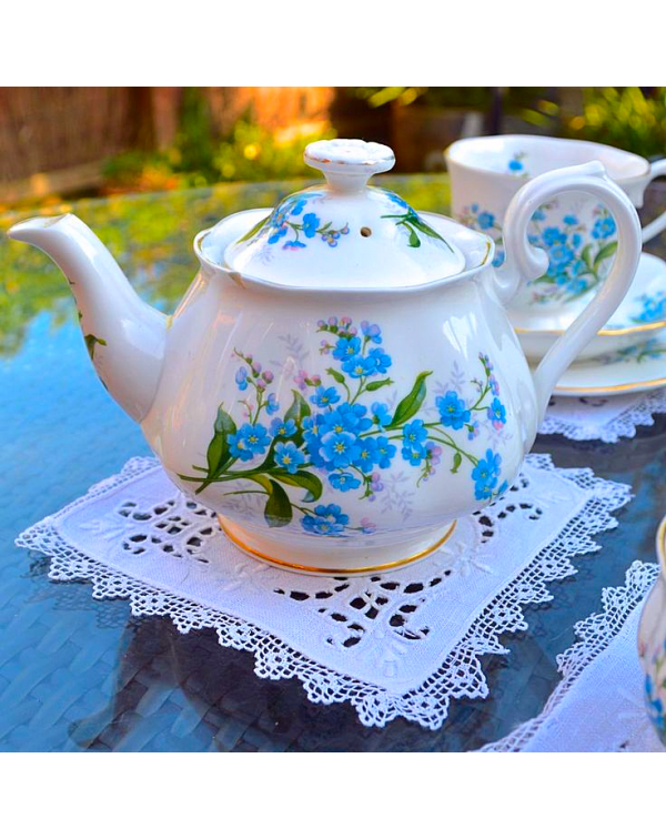 ROYAL ALBERT FORGET ME NOT TEAPOT