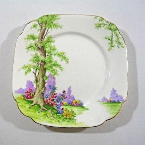 (OUT OF STOCK) ROYAL ALBERT GREENWOOD TREE TEA PLATE
