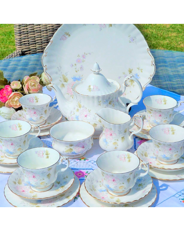 (OUT OF STOCK) ROYAL ALBERT MEADOW FLOWER TEA SET