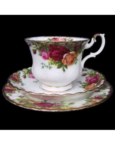 (OUT OF STOCK)  ROYAL ALBERT OLD COUNTRY ROSES TEA TRIO