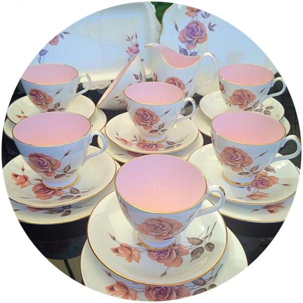 (OUT OF STOCK) ROYAL ALBERT PRELUDE VINTAGE TEA SET