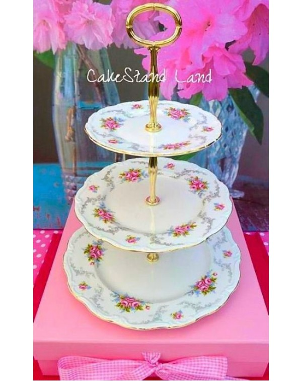 (SOLD) ROYAL ALBERT TRANQUILITY CAKE STAND