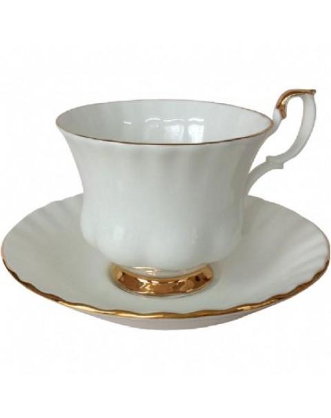 (OUT OF STOCK) ROYAL ALBERT VAL DOR TEA CUP & SAUCER