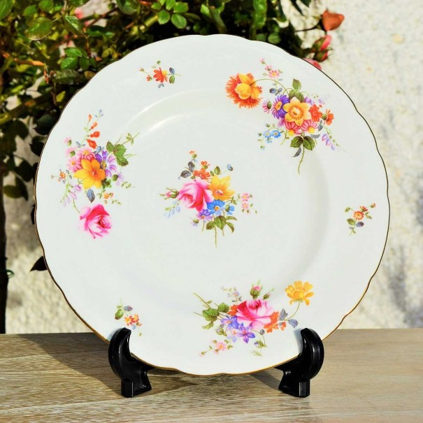 (OUT OF STOCK)  ROYAL CROWN DERBY POSIES SALAD PLATE