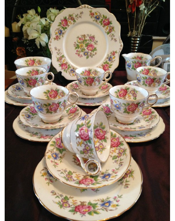 (OUT OF STOCK) ROYAL STAFFORD CHINTZ VINTAGE TEA S...