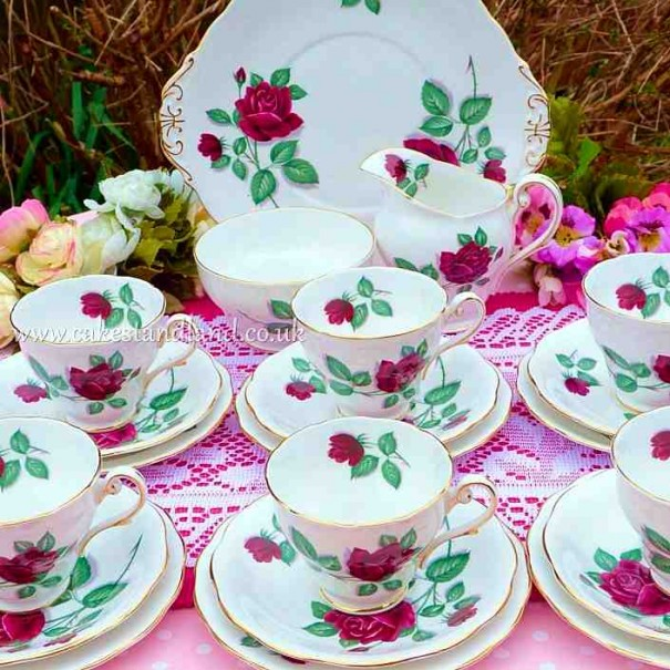 (OUT OF STOCK) ROYAL STANDARD RED ROSE TEA SET