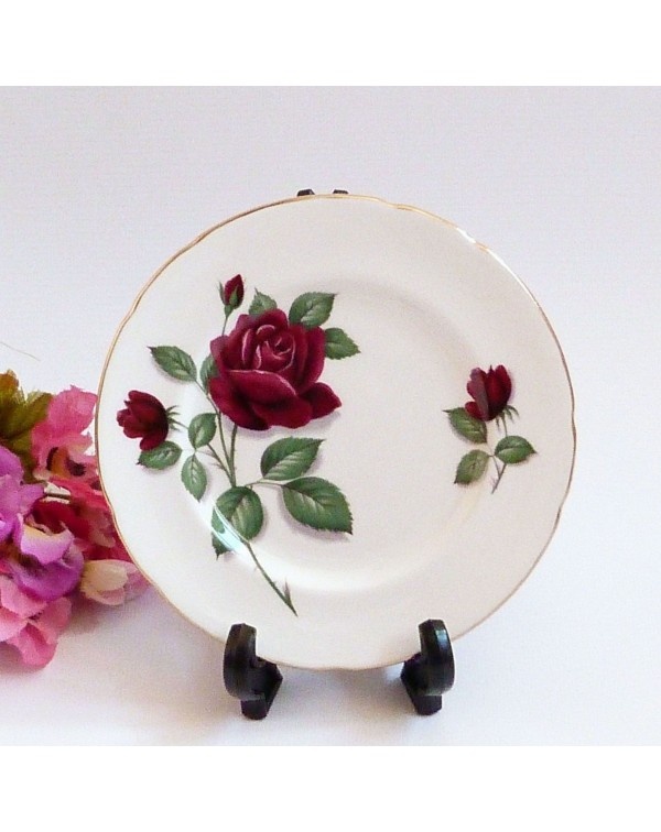 (OUT OF STOCK) ROYAL STANDARD RED VELVET TEA PLATE