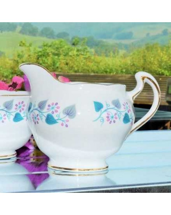 (OUT OF STOCK) ROYAL VALE BLUE VINE MILK JUG &...