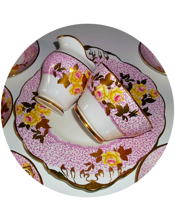 (OUT OF STOCK) SALISBURY PINK FLORAL VINTAGE TEA S...