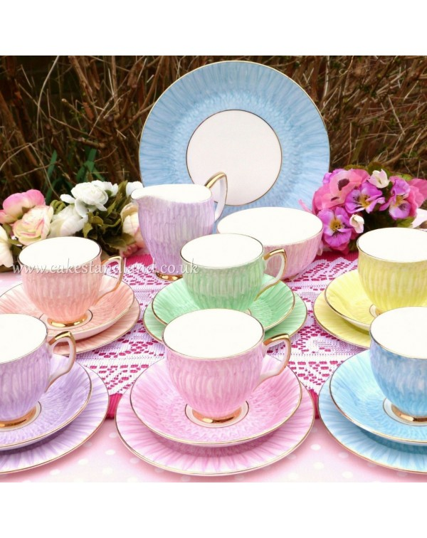 (OUT OF STOCK) IMPERIAL CHINA VINTAGE HARLEQUIN