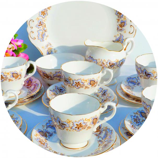 (OUT OF STOCK) ROYAL STANDARD JACOBEAN VINTAGE TEA SET
