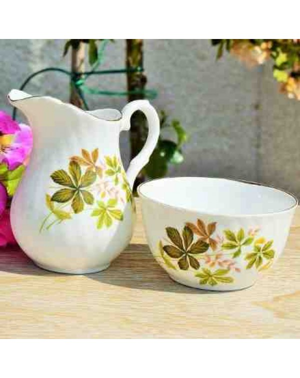 VINTAGE CREAM JUG & SUGAR BOWL