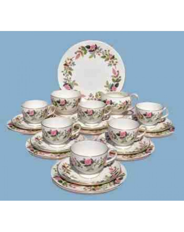 (OUT OF STOCK) WEDGWOOD HATHAWAY ROSE TEA SET