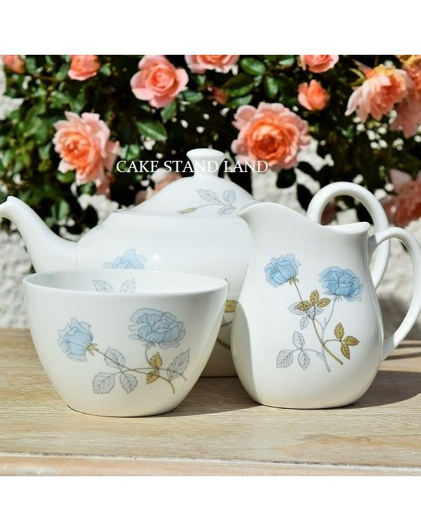 (OUT OF STOCK) WEDGWOOD ICE ROSE  TEAPOT SET