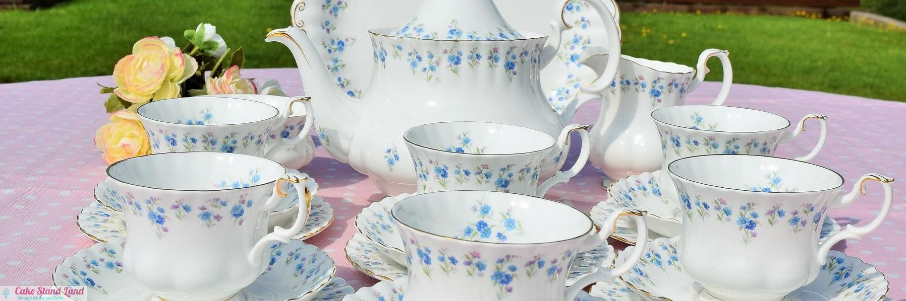 ROYAL,ALBERT,MEMORY,LANE,TEA,SET